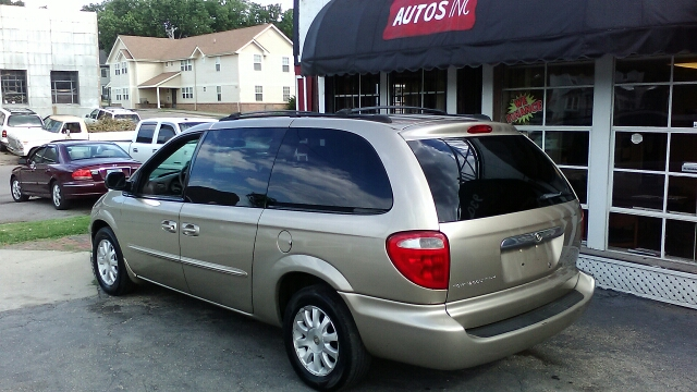 2003 Chrysler Town and Country LX Popular 4dr Mini-Van - Topeka KS