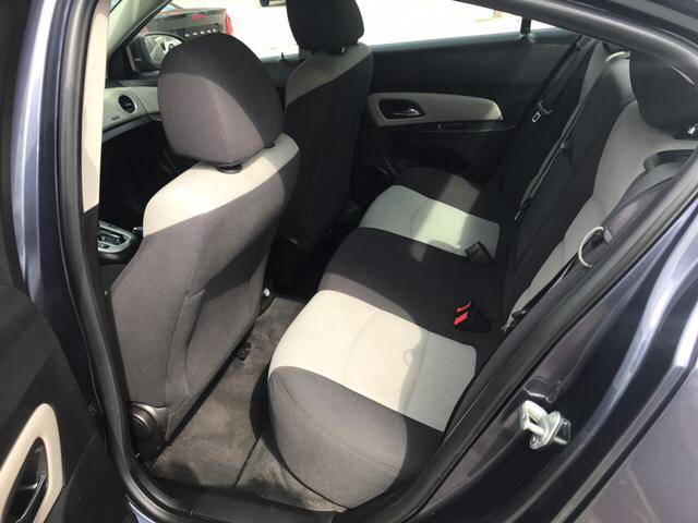 2013 Chevrolet Cruze LS Auto 4dr Sedan w/1SB - Kansas City KS