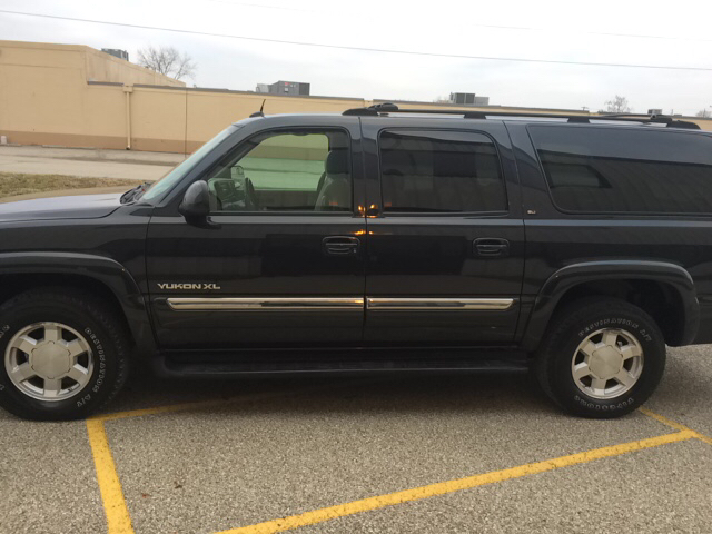 used 2004 gmc yukon xl 1500 slt in indianapolis in at glover auto sales. Black Bedroom Furniture Sets. Home Design Ideas