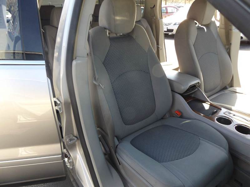 2007 Saturn Outlook XR 4dr SUV - Lima OH