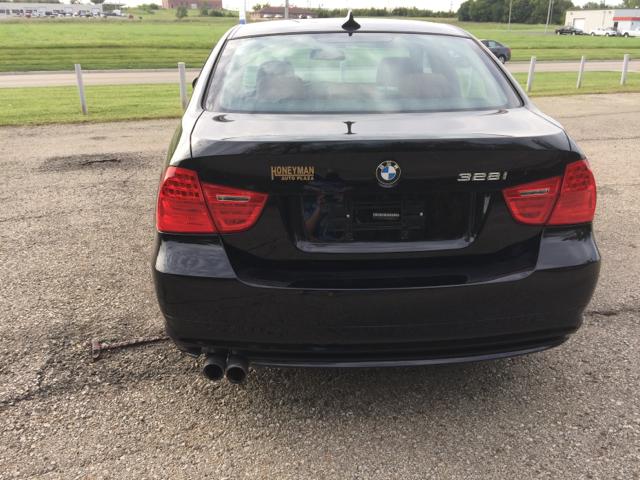 2011 BMW 3 Series 328i xDrive AWD 4dr Sedan SULEV - Topeka KS