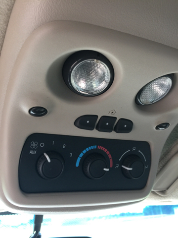 2004 Chevrolet Tahoe LS 4WD 4dr SUV - Topeka KS