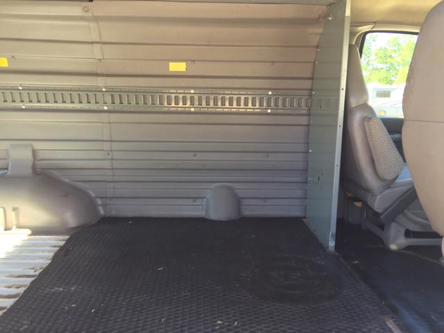 2001 GMC Savana Cargo G2500 2500 3dr Van - Monroe MI
