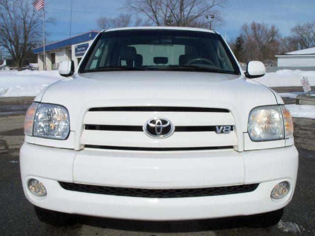 2005 Toyota Tundra Limited 4dr Double Cab 4WD SB - Grand Rapids MI