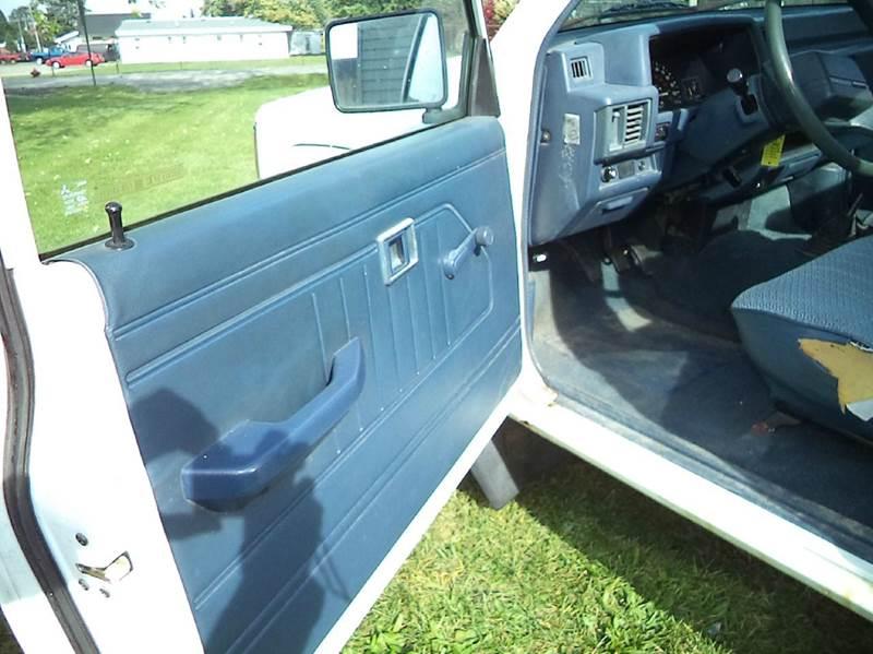 1994 Mitsubishi Mighty Max Pickup 2dr 4WD Standard Cab SB - Grand Rapids MI