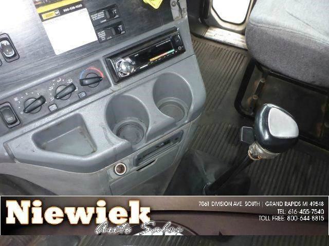 2006 Freightliner Columbia  - Grand Rapids MI