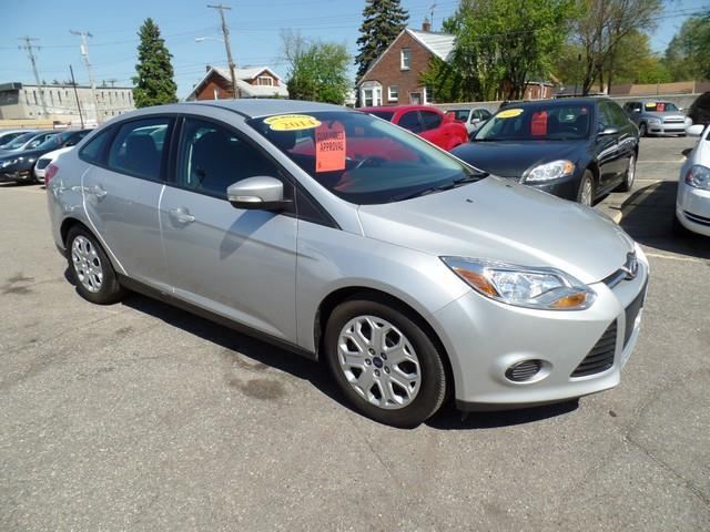 2014 Ford Focus SE 4dr Sedan - Warren MI