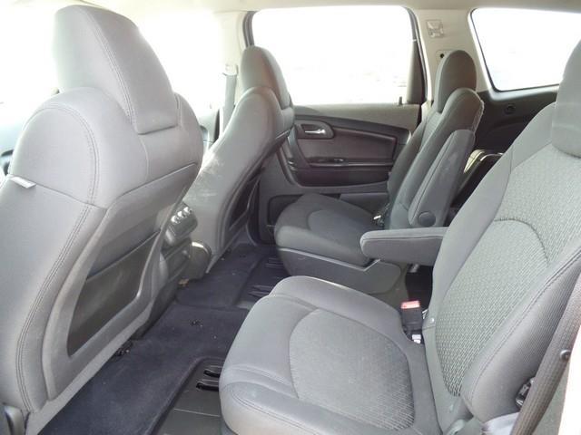 2010 Chevrolet Traverse LT 4dr SUV w/1LT - Warren MI