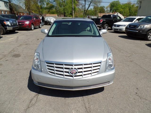 2011 Cadillac DTS Premium Collection 4dr Sedan - Warren MI