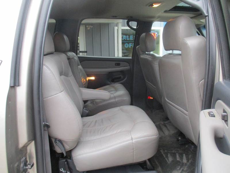 2002 Chevrolet Suburban 1500 LT 4WD 4dr SUV - Traverse City MI