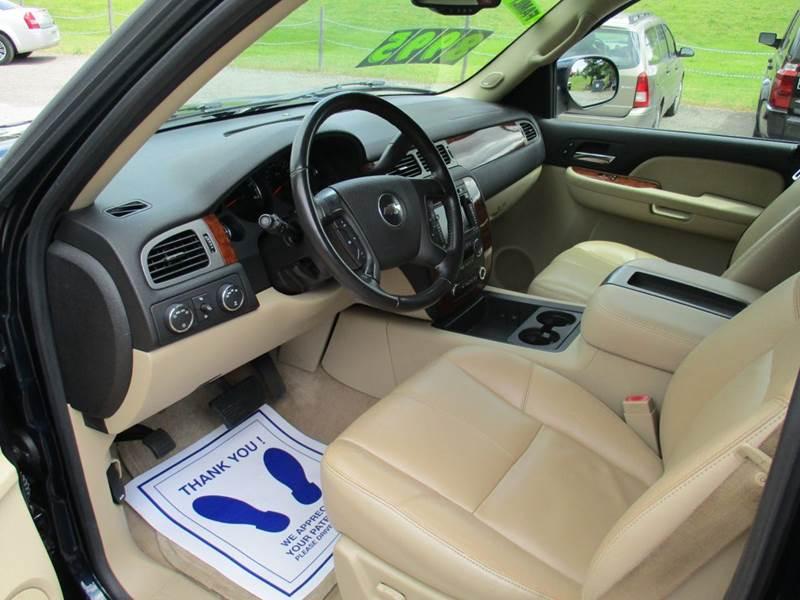 2008 Chevrolet Suburban LT 1500 4x4 4dr SUV - Traverse City MI