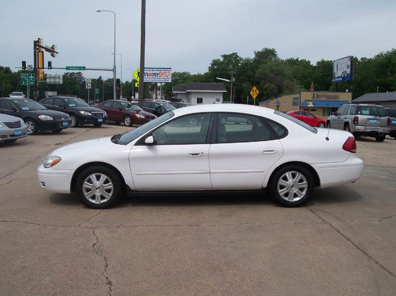 2005 ford taurus sel 4dr sedan in mitchell watertown sioux. Black Bedroom Furniture Sets. Home Design Ideas