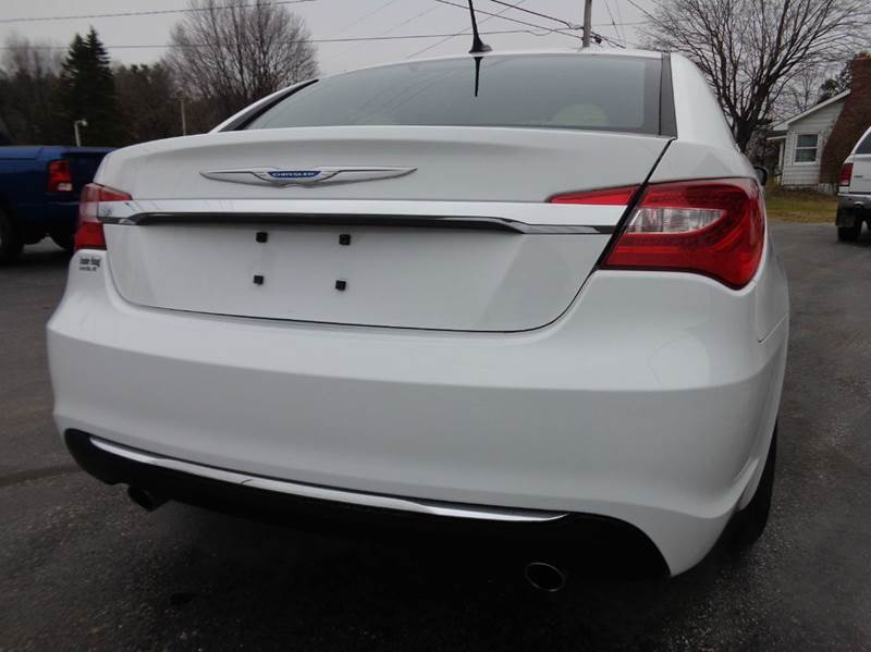 2013 Chrysler 200 Limited  - Scottville MI