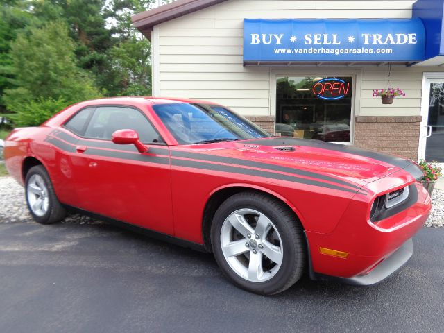 2013 Dodge Challenger R/T Plus 2dr Coupe - Scottville MI