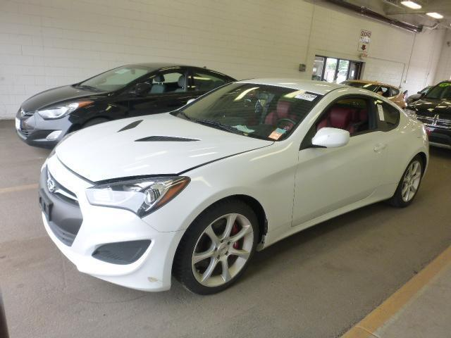 2013 hyundai genesis coupe for sale in sioux falls sd. Black Bedroom Furniture Sets. Home Design Ideas