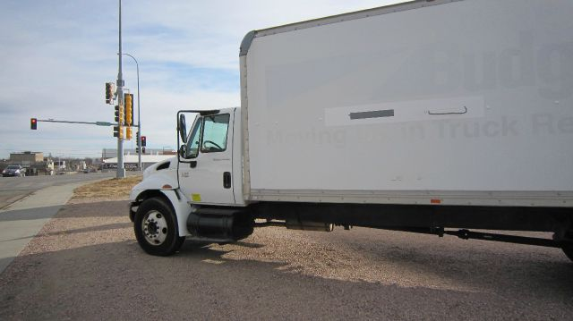 2004 International 4300SBA