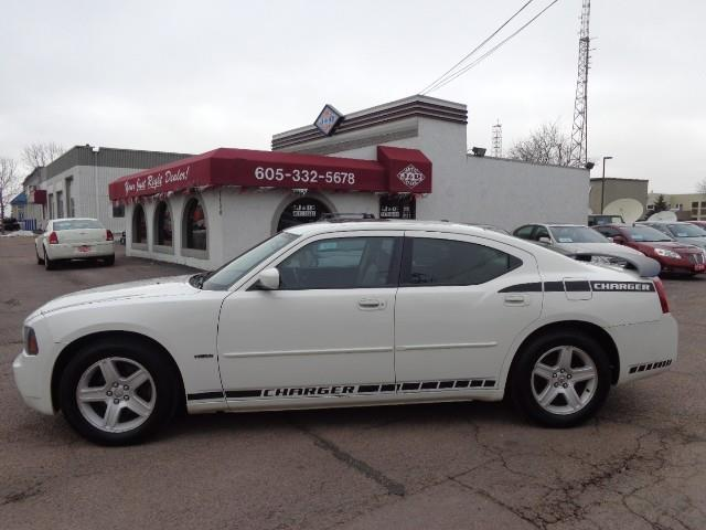 used 2006 dodge charger rt in sioux falls sd at j r auto sales. Black Bedroom Furniture Sets. Home Design Ideas