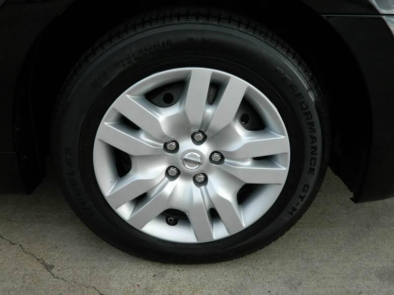 2012 Nissan Altima 2.5 4dr Sedan - Gonzales TX