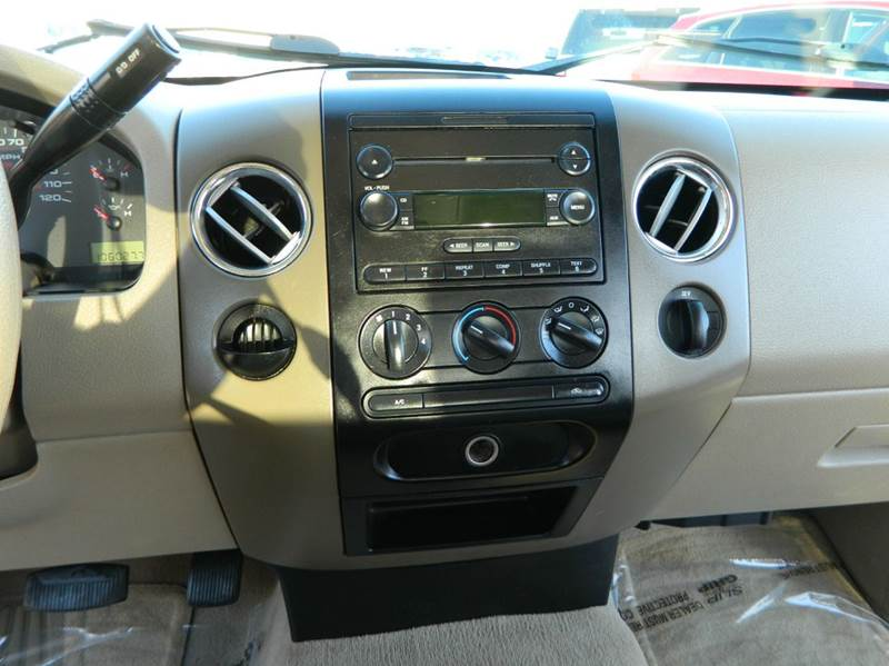 2006 Ford F-150 XLT 4dr SuperCrew Styleside 5.5 ft. SB - Gonzales TX
