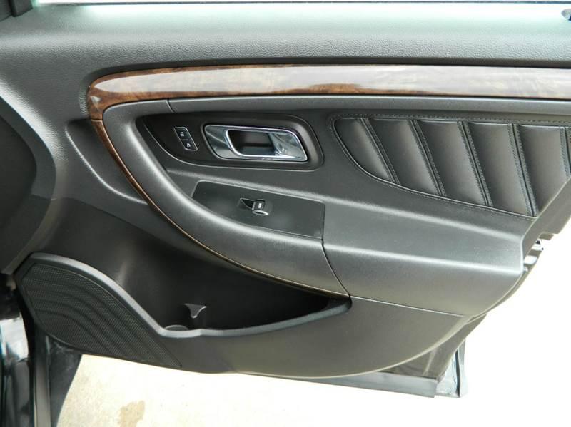 2013 Ford Taurus Limited 4dr Sedan - Gonzales TX