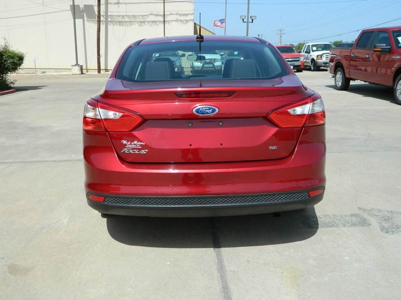 2013 Ford Focus SE 4dr Sedan - Gonzales TX