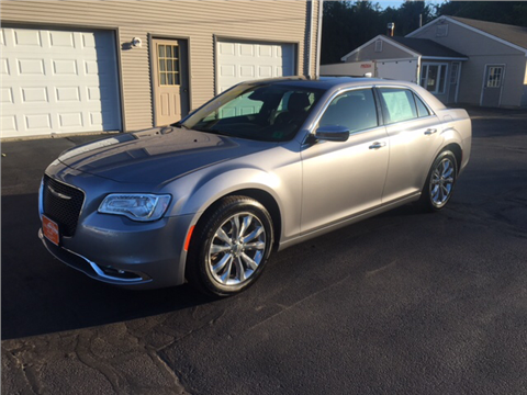 2017 Chrysler 300 for sale in Fremont, NH