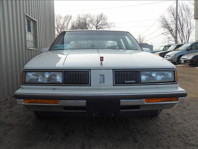 1988 Oldsmobile Delta Eighty-Eight Royale Brougham - Sioux Falls SD