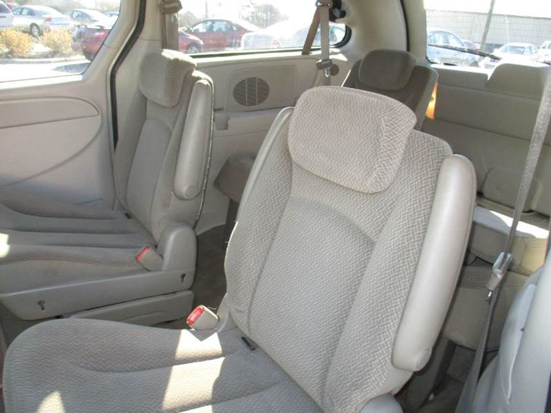2006 Chrysler Town and Country LX 4dr Extended Mini-Van - Garner NC