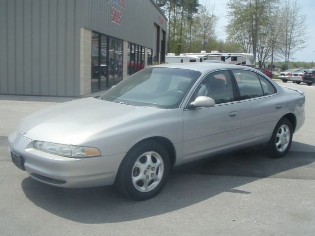 1998 OLDSMOBILE INTRIGUE GL silver only 52473 miles and like new  garage kept senior owned and v