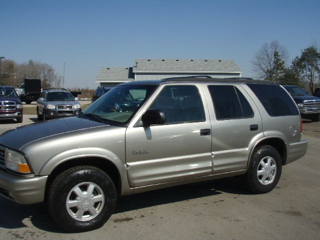 2000 OLDSMOBILE BRAVADA pewter if you want super clean and spotless at a affordable price this br