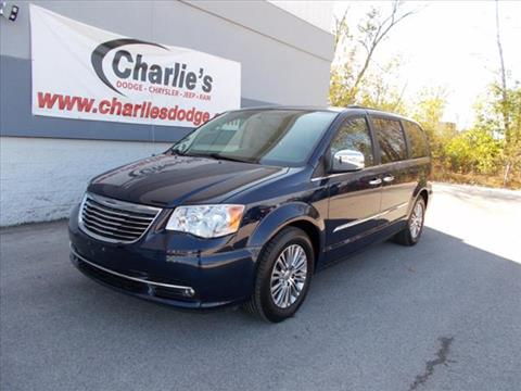 2013 Chrysler Town and Country for sale in Maumee, OH