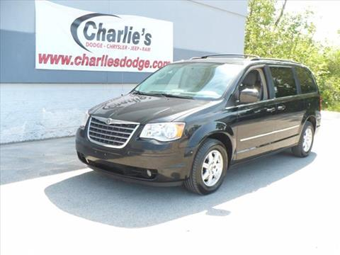 2010 Chrysler Town and Country for sale in Maumee, OH