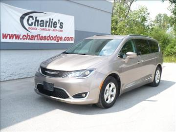 2017 Chrysler Pacifica for sale in Maumee OH