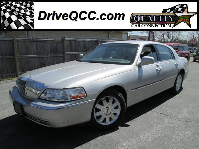 2003 Lincoln Town Car for sale in GRIFFITH IN