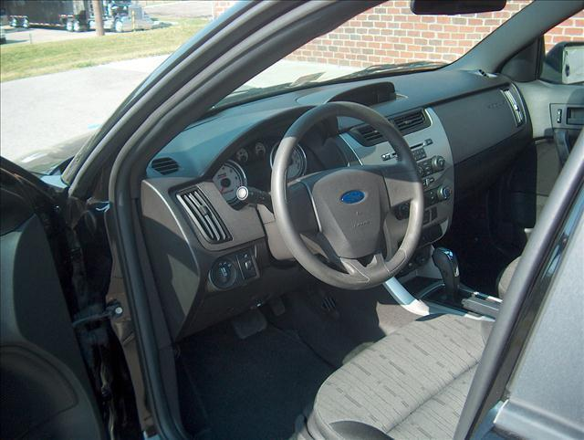 2010 Ford Focus SE 4dr Sedan - Christiansburg VA