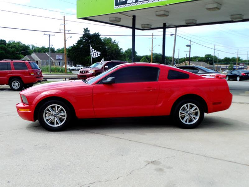 2005 Ford Mustang Deluxe 2dr Fastback - Tulsa OK