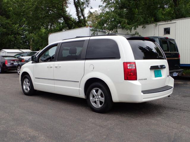 2010 Dodge Grand Caravan SXT 4dr Mini-Van - Addison IL