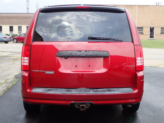 2008 Chrysler Town and Country Touring 4dr Mini-Van - Addison IL