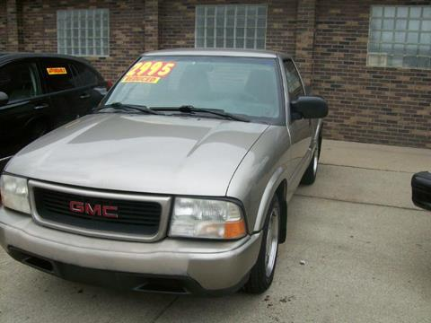 2000 GMC Sonoma for sale in Madison Heights, MI