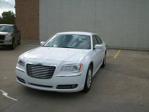 2013 Chrysler 300 for sale in Madison Heights, MI