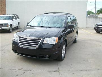 2008 Chrysler Town and Country for sale in Madison Heights, MI