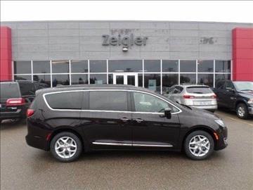 2017 Chrysler Pacifica for sale in Grandville, MI