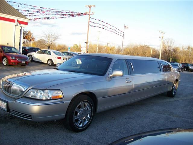 2008 Lincoln Town Car for sale in Monee IL