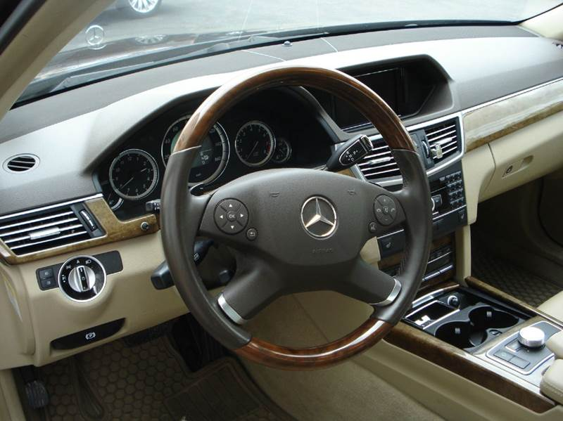 2011 Mercedes-Benz E-Class AWD E 350 Luxury 4MATIC 4dr Sedan - Worcester MA