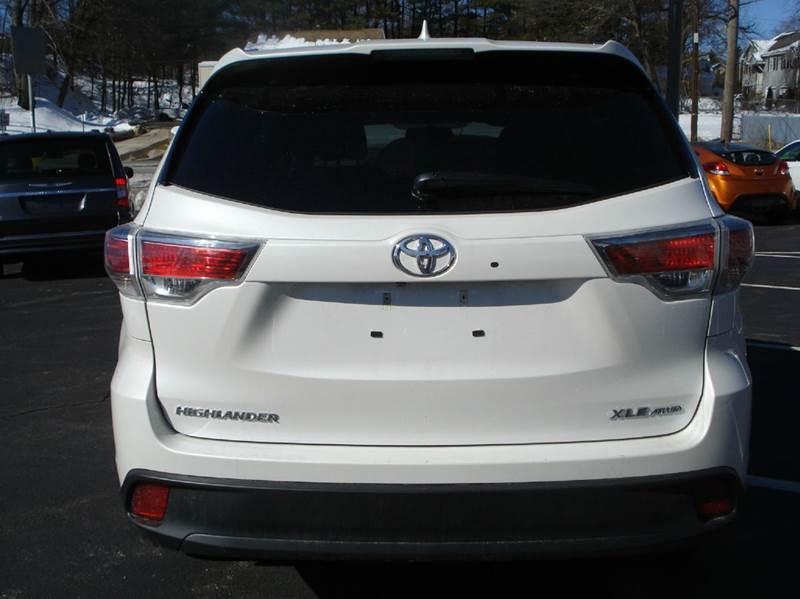 2015 Toyota Highlander AWD XLE 4dr SUV - Worcester MA