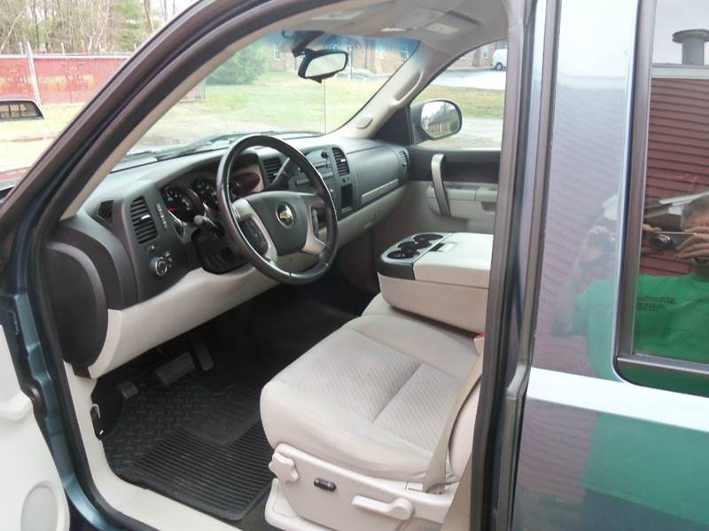 2011 Chevrolet Silverado 1500 4x4 LT 4dr Extended Cab 6.5 ft. SB - Ludlow MA