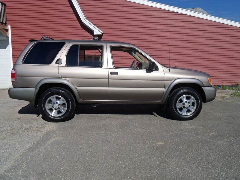 2001 Nissan Pathfinder SE 4WD 4dr SUV - Ludlow MA