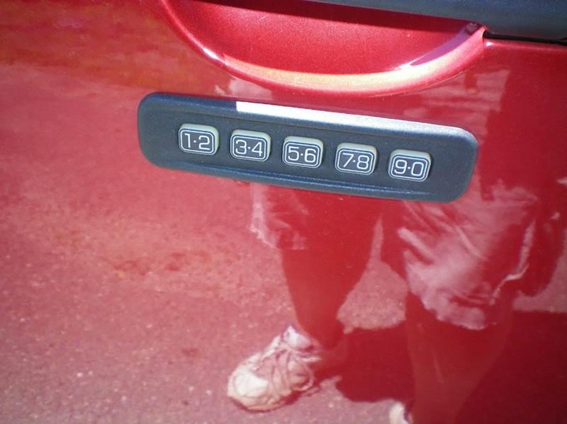 2012 Ford Escape XLT AWD 4dr SUV - Ludlow MA