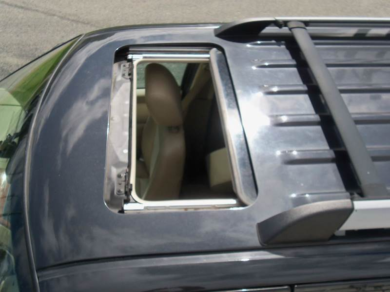 2007 Ford Explorer Eddie Bauer 4dr SUV 4WD V6 - Ludlow MA