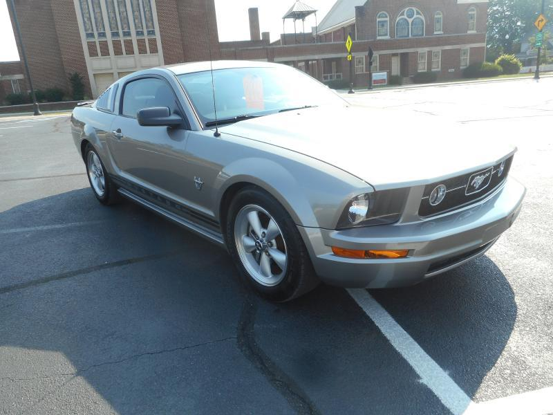 2009 Ford Mustang COUPE - Erwin TN